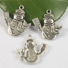 4 x tibetaans zilveren sneeuwpop 29 x 25 x 2mm Gat: 3mm