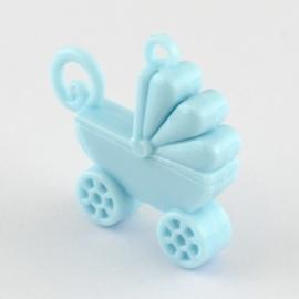 5x Leuke kinderwagen van Acryl 38 x 39 x 10mm oogje 3,5mm licht blauw