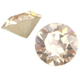 2 x Swarovski Elements SS24 puntsteen (5.2mm) Light silk beige