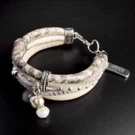 Prachtige armband, verstelbaar met metalen elementen w.o. bedel hope