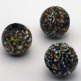 Glaskraal groot rond  zwart gesmolten kleurspikkels 20x18mm