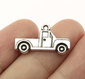 6 x Tibetaans Zilveren bedel van een vrachtwagen 15 x 26 x2mm Gat: 1,5mm