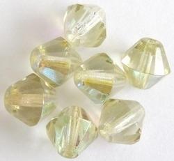 10 x Facet kristal konisch Licht-groen AB 12 mm