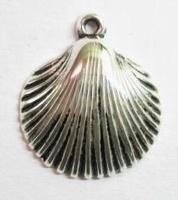 4 x   Antiek zilveren kunststof hanger schelp 30 mm