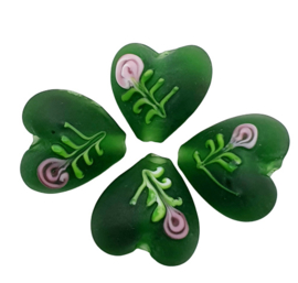 4 stuks  handgemaakte hartje van glas groen 14mm