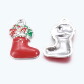 Bedeltje kerst laars met cadeaus met emaille 23 x 14 x 4mm gat: 2mm rood
