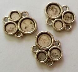 Per stuk Zilverkleurig metalen kastje met ruimte voor 3 plak 14 mm