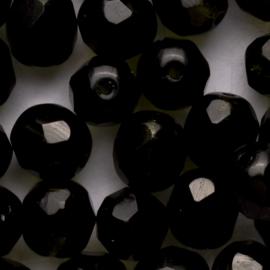 15  x ronde Tsjechië  kraal kristal facet 8mm kleur: donker groen gat: 1mm