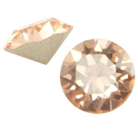 2 x Swarovski Elements SS24 puntsteen (5.2mm) Light peach