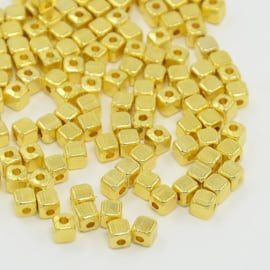 20x DQ metalen kraal kubus 4 mm goudkleur gat: 1,5mm nikkelvrij