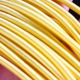 Prachtig zijden koord 3,2mm diameter, lengte c.a. 43cm incl. verlengketting geel