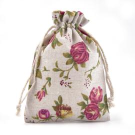 Stoffen cadeauzakje met bloemen c.a. 14 x 10 cm  kleur en stof: Jute zand kleur (op = op!)
