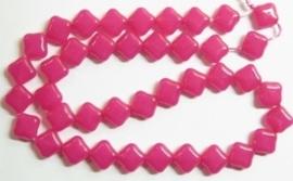10 stuks prachtige vierkante kralen van melkglas 10 x 10 x 5mm roze