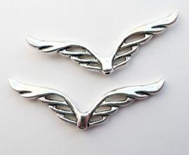 4 x  Tibetaans zilveren Engelen vleugeltje 41 x12 x 2mm Gat: 1mm