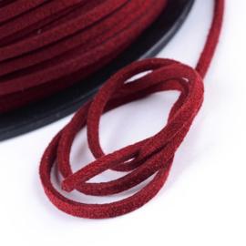 2 meter Faux suède veter  breed  3mm kleur: Bordeaux rood