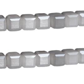 Streng c.a. 100 stuks glaskralen Kubus Facet geslepen Top kwaliteit! 6mm gat: 1mm Antraciet opal grijs