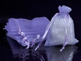 c.a. 100 stuks organza zakjes 8 x10cm lila (op is op!)