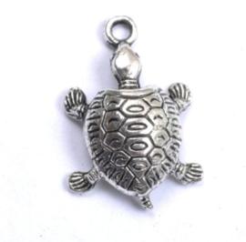 Tibetaans zilveren bedeltje van een schildpad 22 x 14 x 6mm gat 2mm licht zilver
