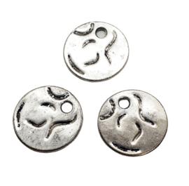 2 x  Tibetaans zilveren muntjes  19 x 1mm gat: 3mm (Nikkelvrij)