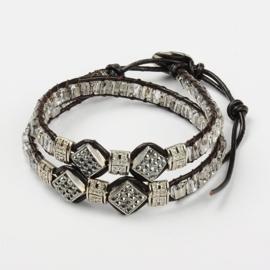 Prachtige leren armband met strass en glaskralen verstelbaar