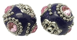 Schitterende handgemaakte Kashmiri kraal 20mm paars ingelegd met metaal & roze strass