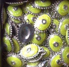 Schitterende metalen tussenzetsel 37 x 22 mm Lime