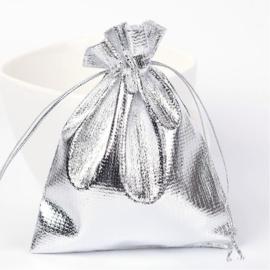 100 kado zakjes 10 x12 cm zilver (kiest voor pakketpost)