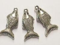 10x Antiek zilveren kunststof bedel vis 30 mm