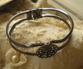 Messing cuff armband 43 x 61 x12mm rond plaatje 20mm gunmetal  donker zilverkleur