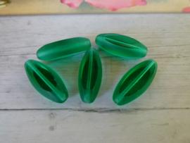 Groene Glas Kraal 27.5 x 11.5 x 7.5mm oogje: 1.5mm