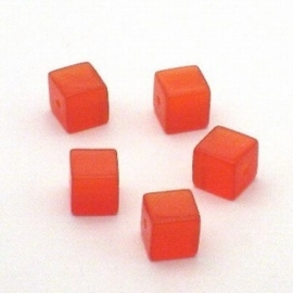 10 x  Glaskraal kubus cate-eye 8 mm rood/orange