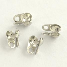 10 stuks platinum kalotjes met gesloten oogje 8 x 6 x 4 gat 2mm. (Binnenmaat c.a. 3,2mm)