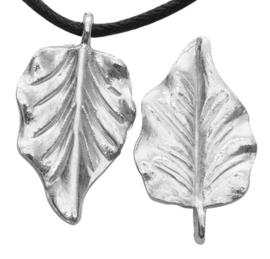 4 x Tibetaans zilveren hanger van een blad 32 x 18 x 2mm Gat: 2mm