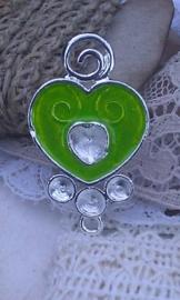 Per stuk tibetaans zilveren bedel van een hartje met epoxy 35 mm lime groen, excl plakstenen