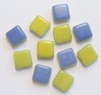 10 Stuks Glaskraal plat vierkantje blauw/geel 9 mm