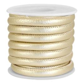 1 rol met 4 meter gestikt imitatie leer 6x4mm Champagne gold metallic (kies voor pakketpost)
