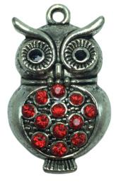 1 x uil hanger  met strass steentjes 38 mm oogje 2 mm rood
