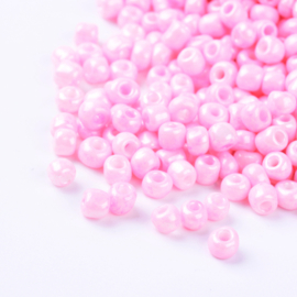 Zakje mooie rocailles 20 gram Seed Beads 6/0  4mm gat: 1,5mm Opaque Pink