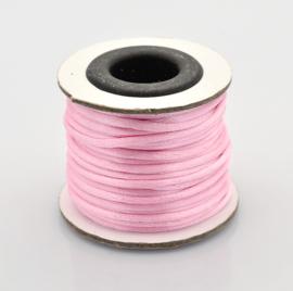 Rol met 10 meter Nylon  satijn koord Marcramé koord 2mm kleur Pearl Pink