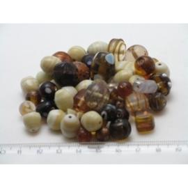 100 gram luxe glaskralenmix in diverse tinten mix 38