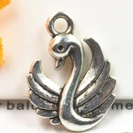 3x Tibetaans zilveren bedel van een zwaan 13 x 17 x 3mm Gat: 2mm