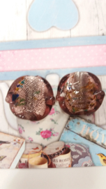 1x zilverfolie kaal rond paars/met gekleurde stippen 36x33 Gat: 4 mm