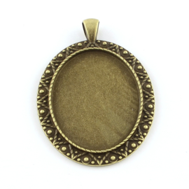 Houder U: Prachtige Camée of Cabochon houder. Binnenzijde: 30 x 40mm geel koper kleur