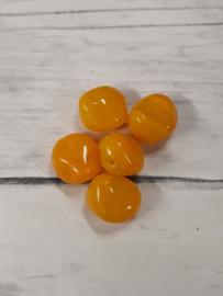 10x mooie oranje gedraaide glaskraal 9,5x10,5mm gat:1mm