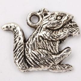 Tibetaans zilveren bedel van een Eekhoorn 19 x 16mm