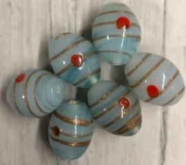 Grijs blauwe glaskraal versierd met goudejn rode stip 18mm gat 1mm