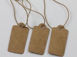100 stuks blanco bruine labels prijskaartjes met bruin touwtje van elastiek 15 x 30mm