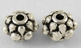 25 stuks tibetaans zilveren tussenzetsel kraal 6,5 x 4,5mm gat: 1mm