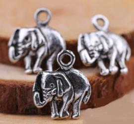4 x Olifanten bedel Tibetaans zilver 16 x13,5 mm