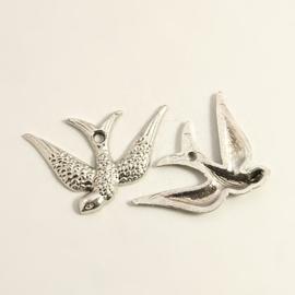 10x Tibetaans zilveren bedel van een vogel zwaluw 24 x 17 x 2mm Gat 1mm